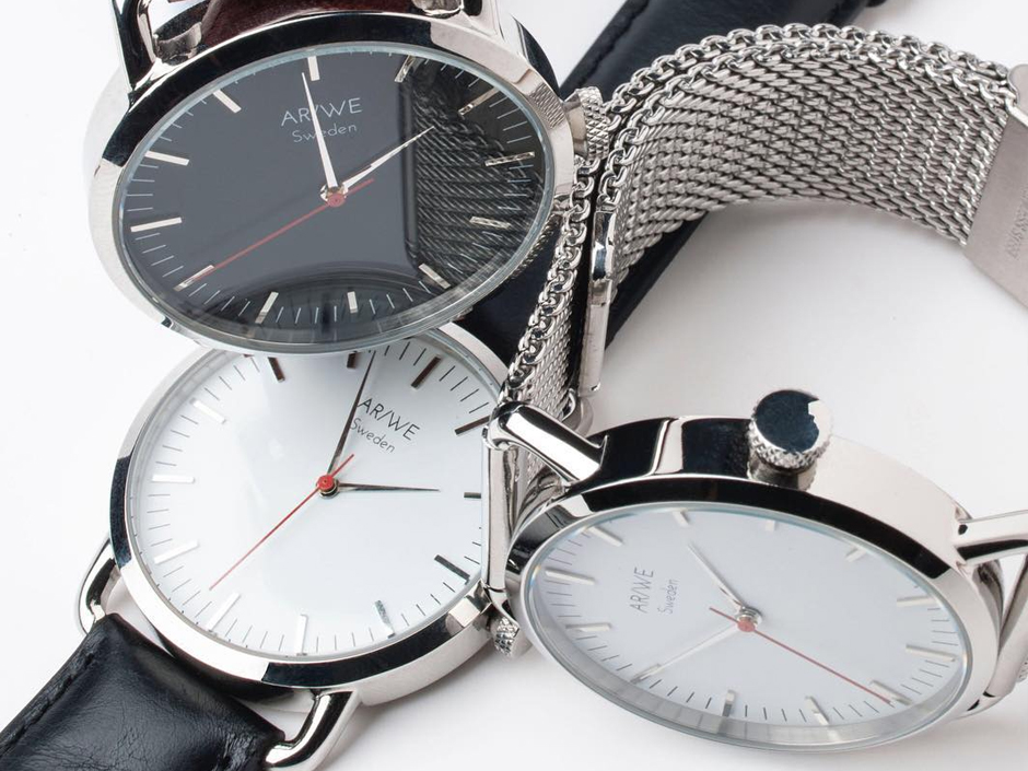 AR/WE Mesh Strap Watch* | Essentials Wish List